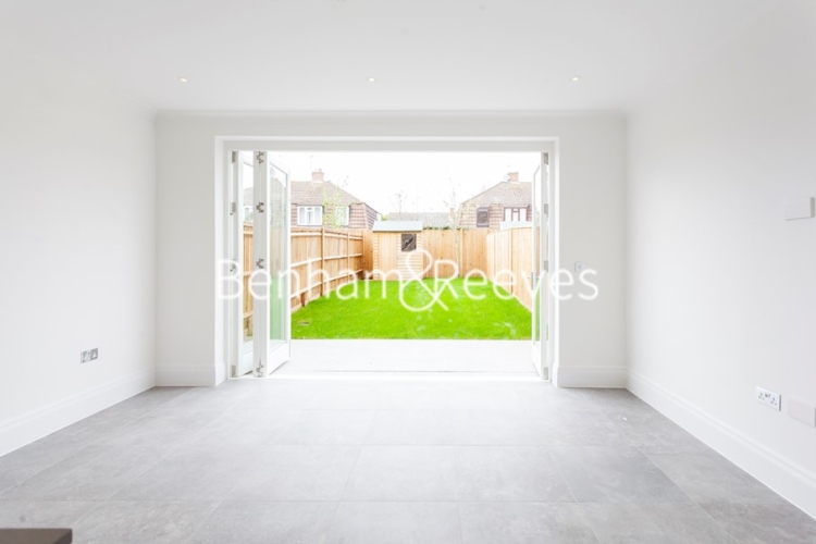 3 bedroom(s) house to rent in Richmond Chase, Richmond, TW10-image 1