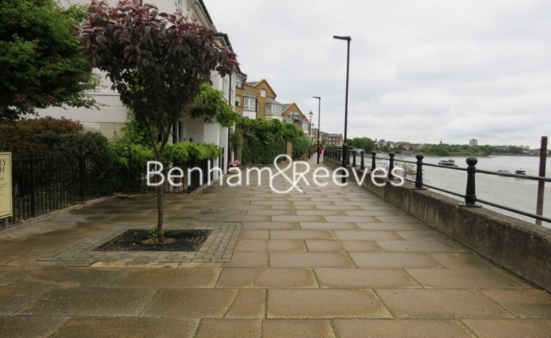 2 bedroom(s) flat to rent in Monet House, Chiswick, W4-image 13