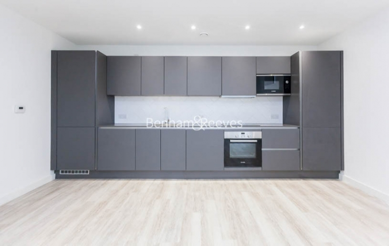 1 bedroom(s) flat to rent in Habito, Hounslow,TW3-image 2