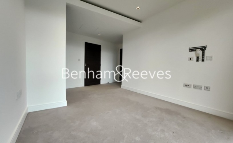 2 bedroom(s) flat to rent in Kew Bridge Road, Brentford,TW8-image 4