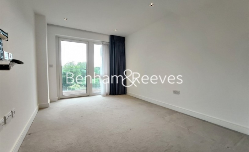 2 bedroom(s) flat to rent in Kew Bridge Road, Brentford,TW8-image 8