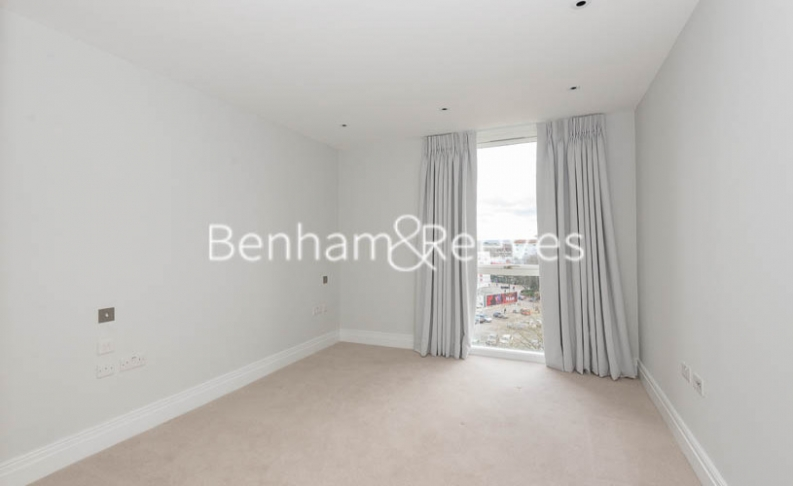 2 bedroom(s) flat to rent in QueenshurstSquare, Kingston Upon Thames, KT2-image 10