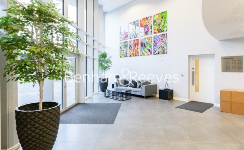 2 bedroom(s) flat to rent in Chiswick Point, Chiswick, W4-image 16