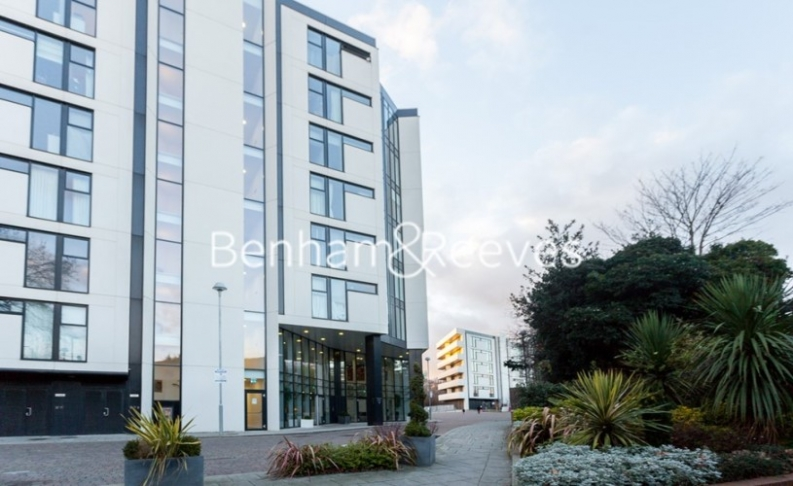 2 bedroom(s) flat to rent in Chiswick Point, Chiswick, W4-image 17