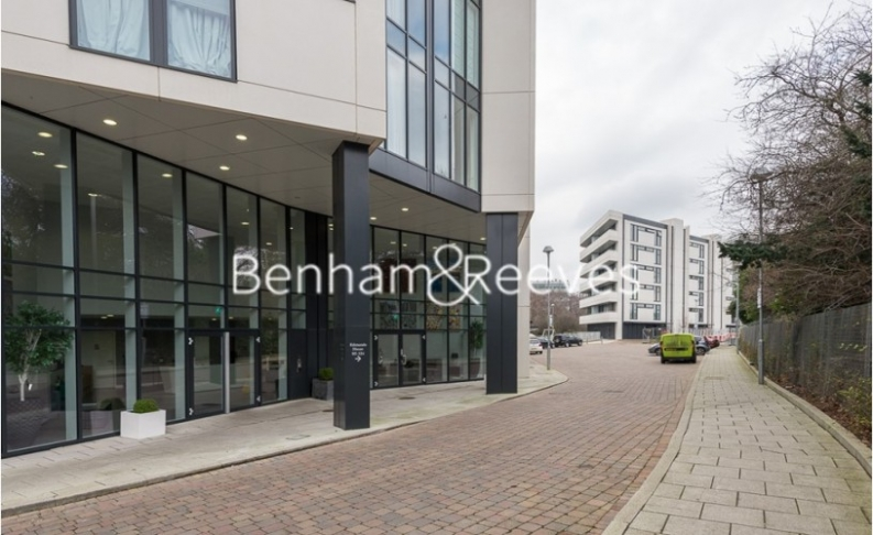 2 bedroom(s) flat to rent in Chiswick Point, Chiswick, W4-image 18