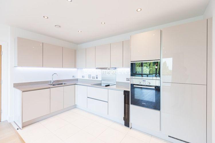 2 bedroom(s) flat to rent in Levett Square, Kew, TW9-image 4