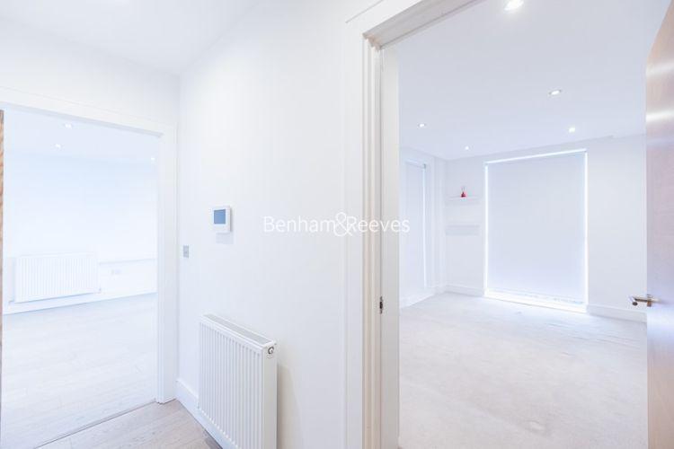 2 bedroom(s) flat to rent in Levett Square, Kew, TW9-image 8