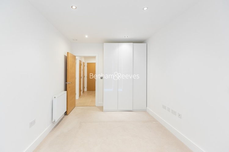 2 bedroom(s) flat to rent in Levett Square, Kew, TW9-image 9