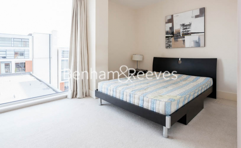 1 bedroom(s) flat to rent in Cornell Square, Nine Elms, SW8-image 3