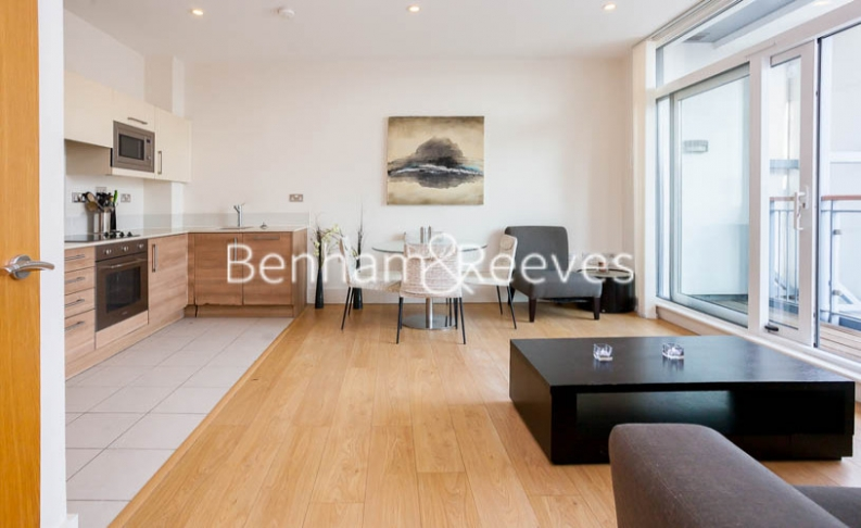 1 bedroom(s) flat to rent in Cornell Square, Nine Elms, SW8-image 6