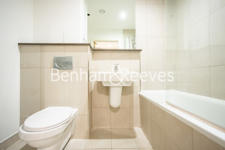 2 bedroom(s) flat to rent in Cornell Square, Nine Elms, SW8-image 4