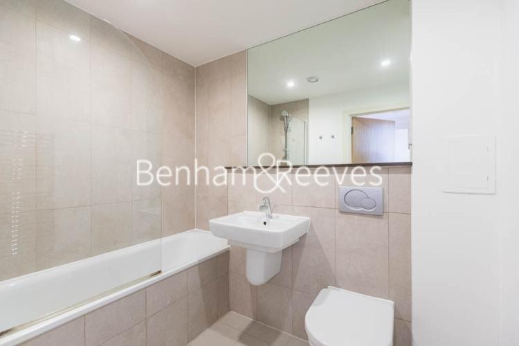 1 bedroom(s) flat to rent in This Space, Nine Elms, SW8-image 4