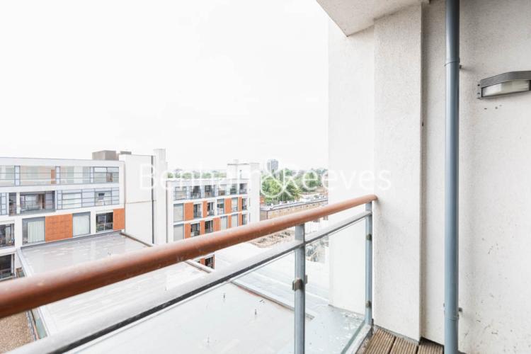 1 bedroom(s) flat to rent in This Space, Nine Elms, SW8-image 5