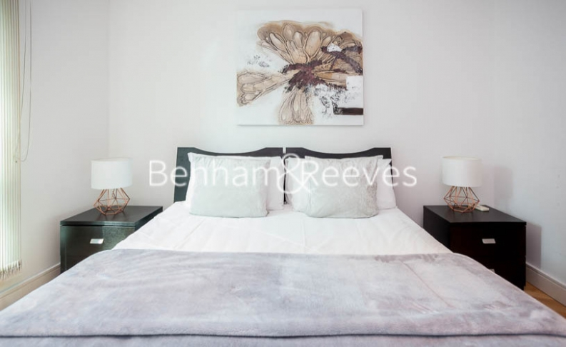 2 bedroom(s) flat to rent in St George Wharf, Nine Elms, SW8-image 7