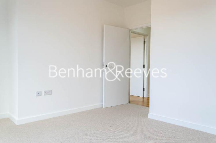 1 bedroom(s) flat to rent in Stewarts Road, Nine Elms, SW8-image 3