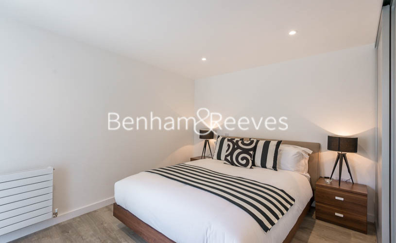 1 bedroom(s) flat to rent in Tooting High Street, Tooting, SW17-image 4
