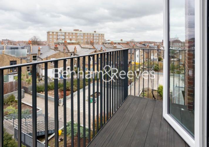 1 bedroom(s) flat to rent in Tooting High Street, Nine Elms, SW17-image 4