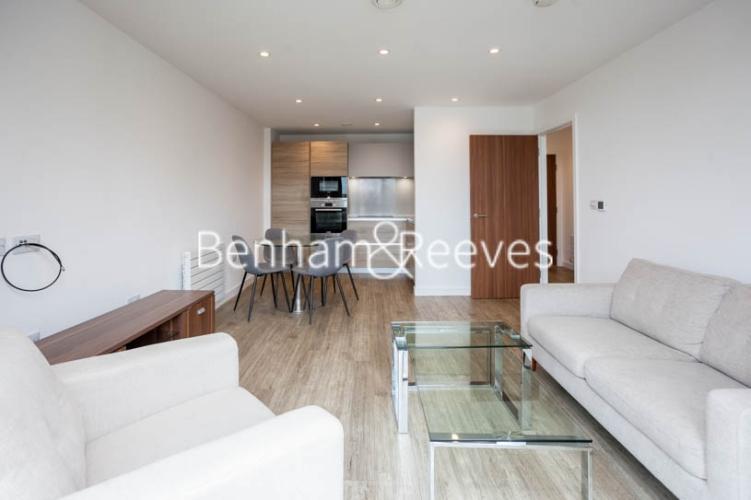 1 bedroom(s) flat to rent in Tooting High Street, Nine Elms, SW17-image 9