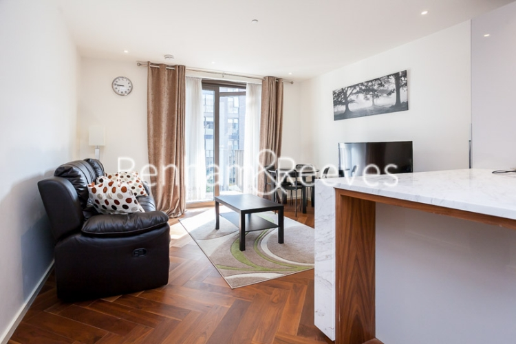 1 bedroom(s) flat to rent in Ambassador Building, New Union Square, SW11-image 1