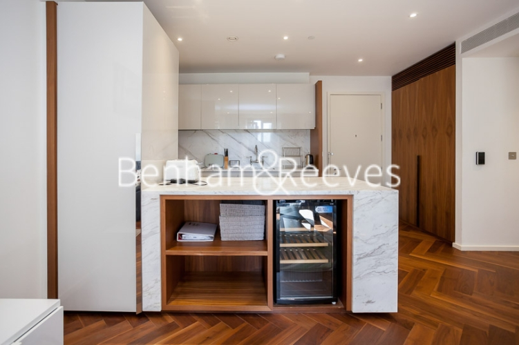 1 bedroom(s) flat to rent in Ambassador Building, New Union Square, SW11-image 2