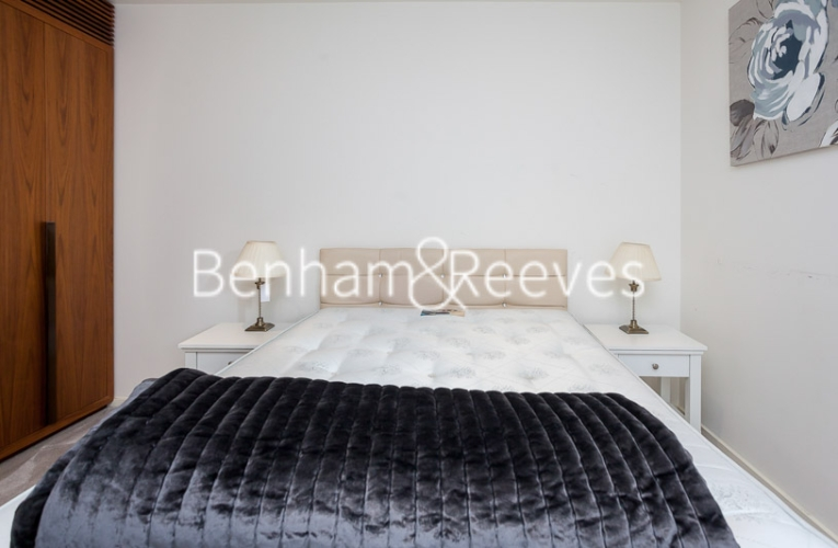 1 bedroom(s) flat to rent in Ambassador Building, New Union Square, SW11-image 3