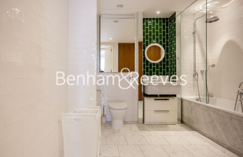 1 bedroom(s) flat to rent in Ambassador Building, New Union Square, SW11-image 4