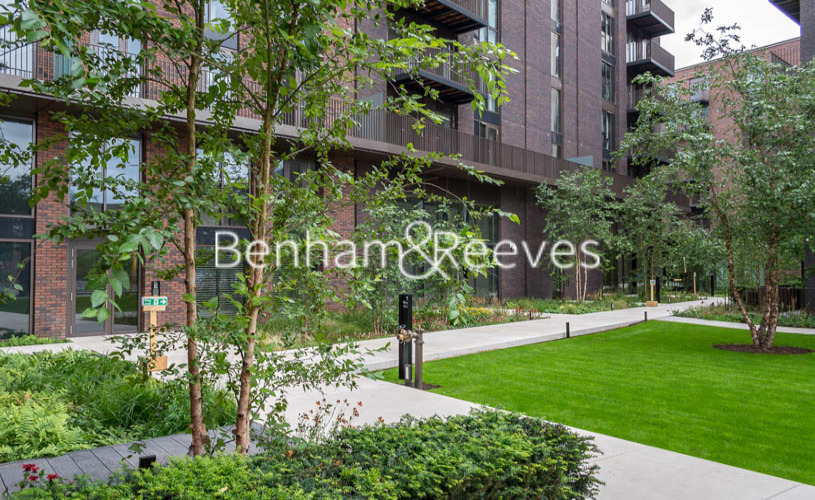1 bedroom(s) flat to rent in Embassy Gardens, Battersea, SW8-image 7