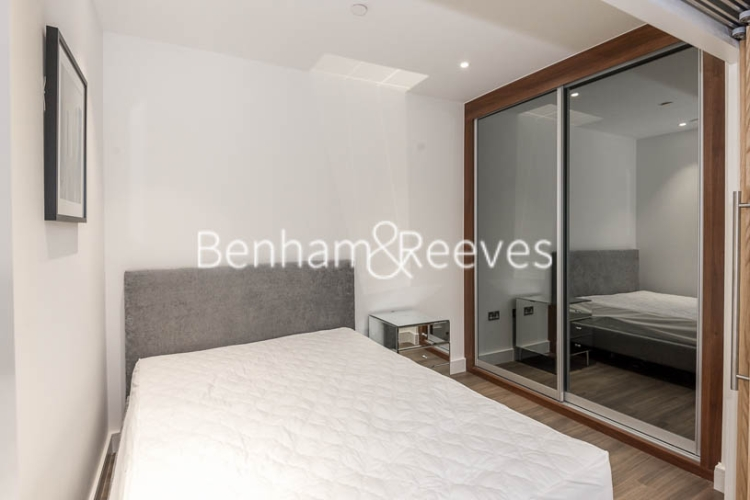 1 bedroom(s) flat to rent in Nine Elms Point, Nine Elms, SW8-image 3