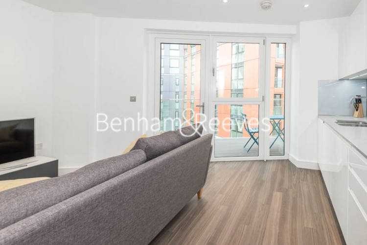 1 bedroom(s) flat to rent in Nine Elms Point, Nine Elms, SW8-image 5