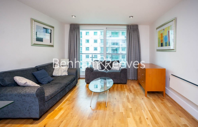 2 bedroom(s) flat to rent in St George's Wharf, Nine Elms, SW8-image 1