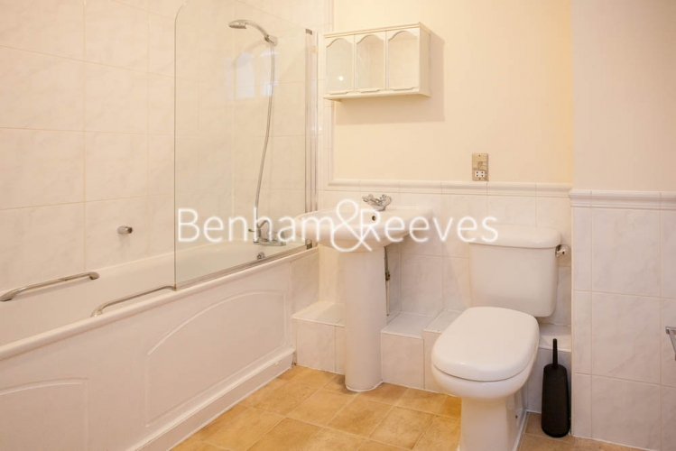 2 bedroom(s) flat to rent in St George's Wharf, Nine Elms, SW8-image 9