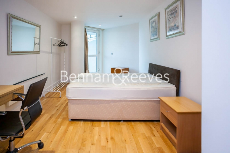 2 bedroom(s) flat to rent in St George's Wharf, Nine Elms, SW8-image 12