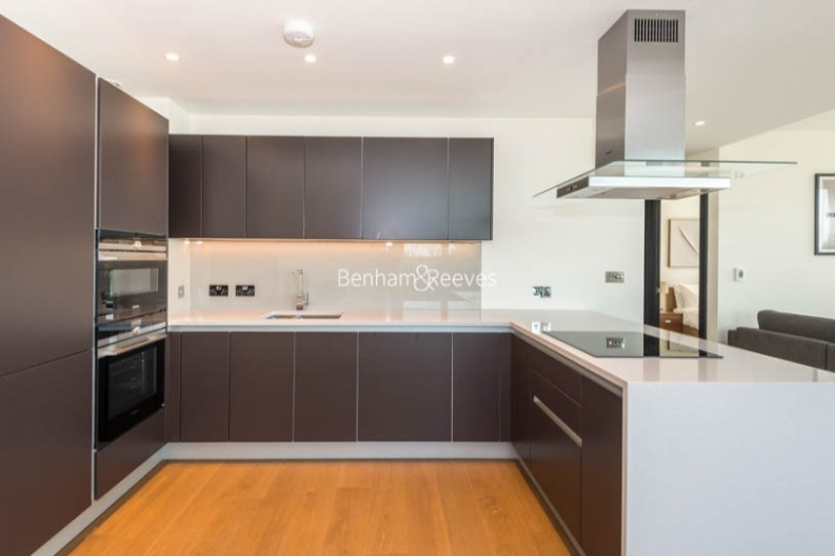 2 bedroom(s) flat to rent in Vista Chelsea Bridge, Nine Elms, SW11-image 4