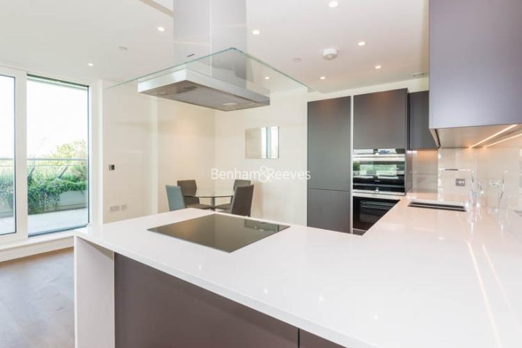 2 bedroom(s) flat to rent in Vista Chelsea Bridge, Nine Elms, SW11-image 5