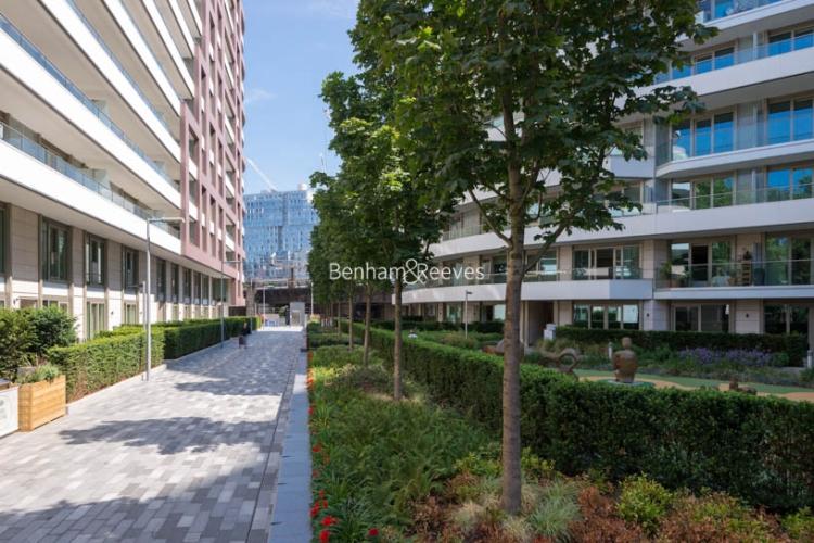 2 bedroom(s) flat to rent in Vista Chelsea Bridge, Nine Elms, SW11-image 17