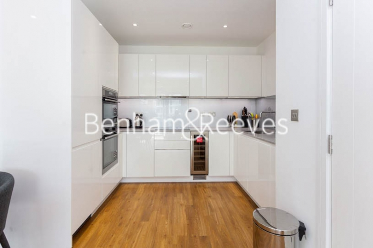 2 bedroom(s) flat to rent in Nine Elms Point, Nine Elms, SW8-image 2