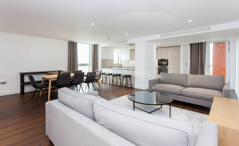 3 bedroom(s) flat to rent in Nine Elms Point, Nine Elms, SW8-image 2