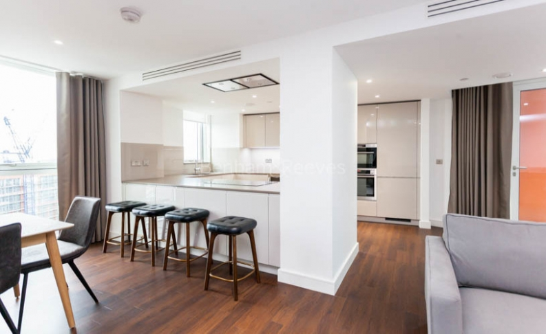 3 bedroom(s) flat to rent in Nine Elms Point, Nine Elms, SW8-image 4