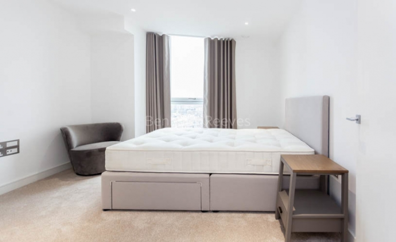 3 bedroom(s) flat to rent in Nine Elms Point, Nine Elms, SW8-image 12