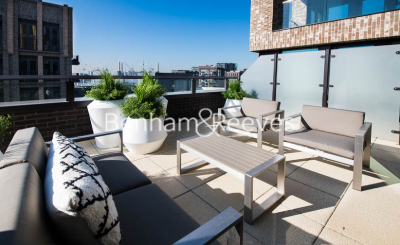 3 bedroom(s) flat to rent in Thornes House, Charles Clowes Walk, SW11-image 6
