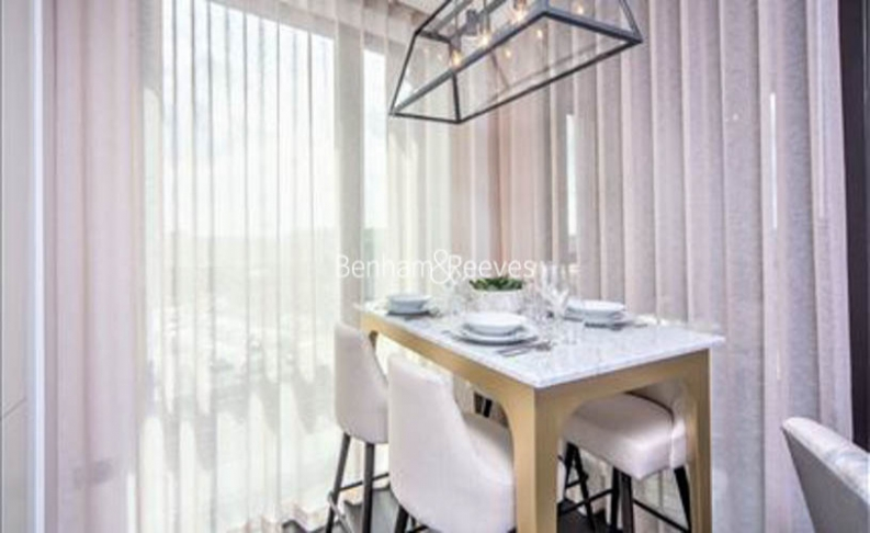 2 bedroom(s) flat to rent in Charles Clowes Walk, Nine Elms, SW11-image 3