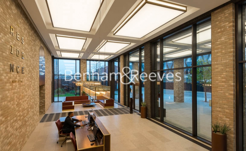 2 bedroom(s) flat to rent in Thornes House, Charles Clowes Walk, SW11-image 7