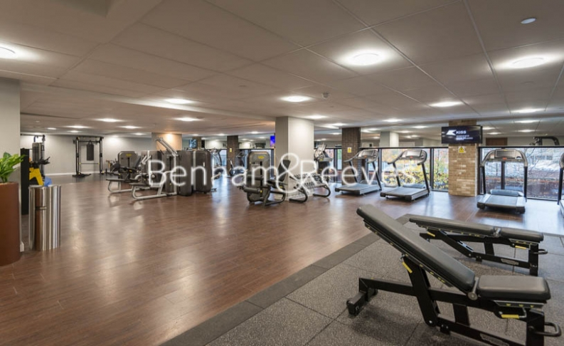 2 bedroom(s) flat to rent in Thornes House, Charles Clowes Walk, SW11-image 9
