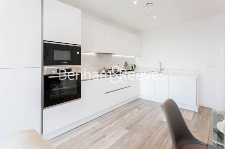 1 bedroom(s) flat to rent in Scena Way, Nine Elms, SE5-image 2