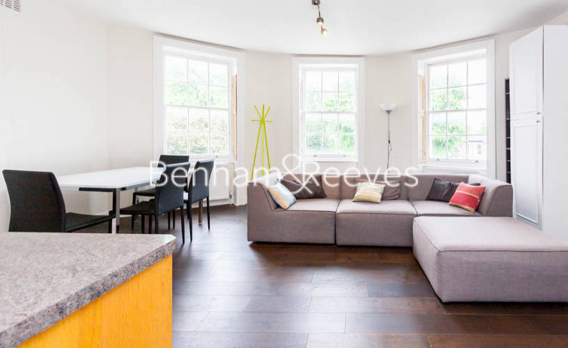 2 bedroom(s) flat to rent in Slievemore Close, Nine Elms, SW4-image 1
