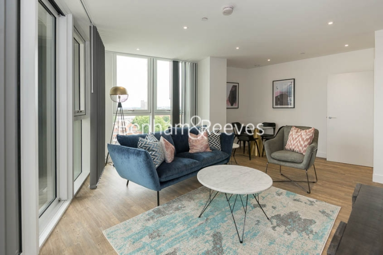 2 bedroom(s) flat to rent in Wandsworth Road, Nine Elms, SW8-image 1