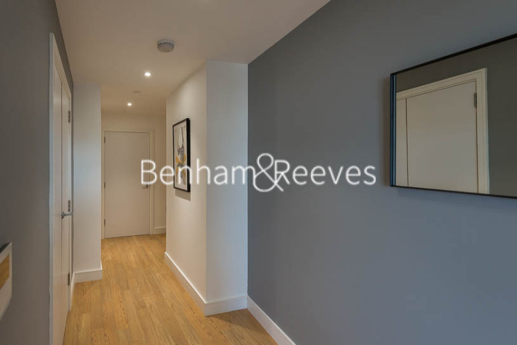 2 bedroom(s) flat to rent in Wandsworth Road, Nine Elms, SW8-image 6