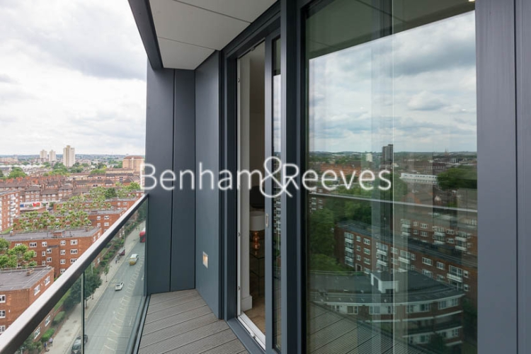 2 bedroom(s) flat to rent in Wandsworth Road, Nine Elms Point, SW8-image 5