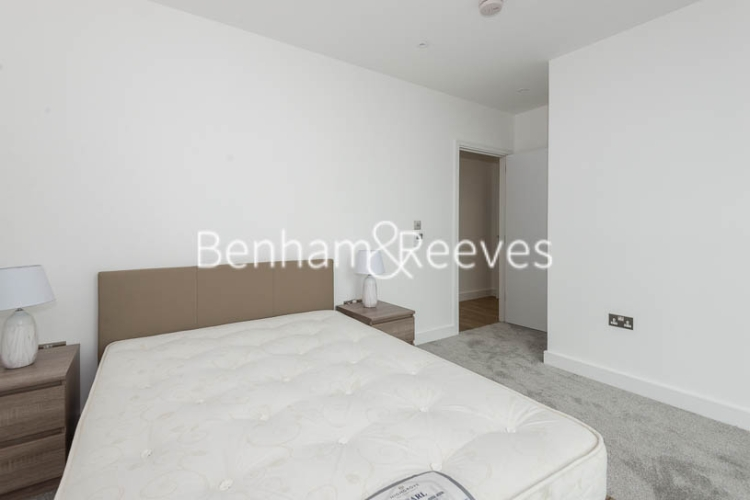 2 bedroom(s) flat to rent in Wandsworth Road, Nine Elms Point, SW8-image 12