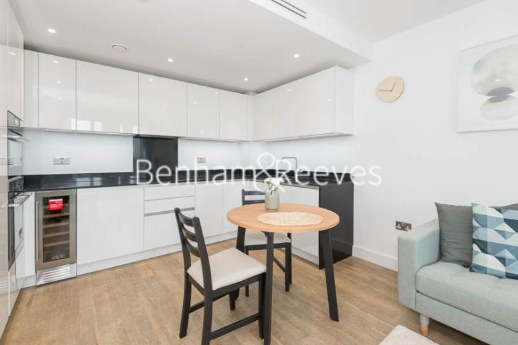 1 bedroom(s) flat to rent in Wandsworth Road, Nine Elms, SW8-image 2